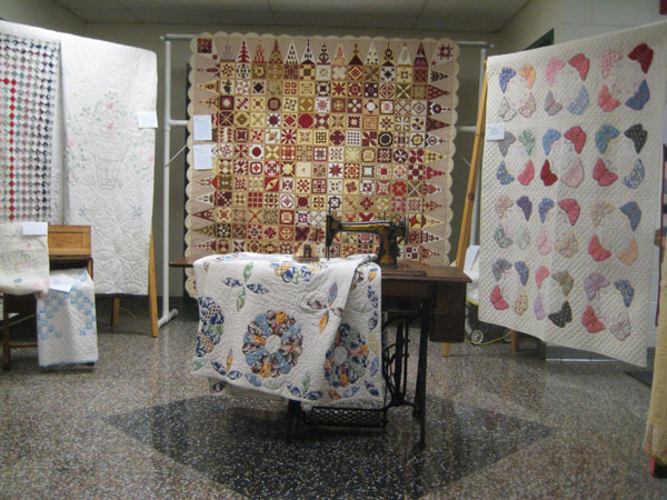 Traditional and antique quilts at the Perth show