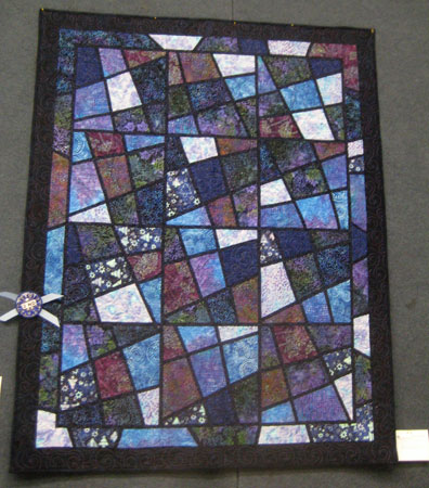 Madeleine Hollingsworth: Moonlight on the Tay. Machine pieced, long-arm machine quilted