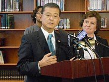 Secretary of Veterans Affairs Eric Shinseki, flanked by Syracuse Mayor Stephanie Miner, speaks to reporters about issues affecting veterans' unemployment in Fowler High School's library, in Syracuse. He had participated in a discussion with veterans, the school's junior ROTC members, veterans' advocates and city officials about how to address the issue. Photo: Joanna Richards