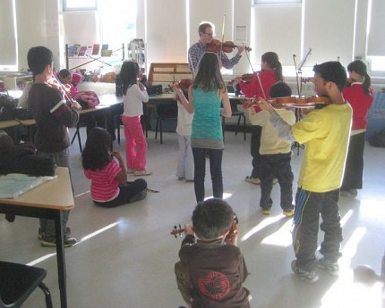 One of the younger classes organized by Ottawa Suzuki Strings. Photo: Lucy Martin
