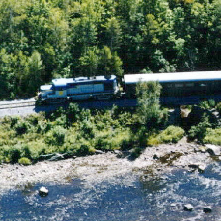 Tourist train. Photo: Warren County website.