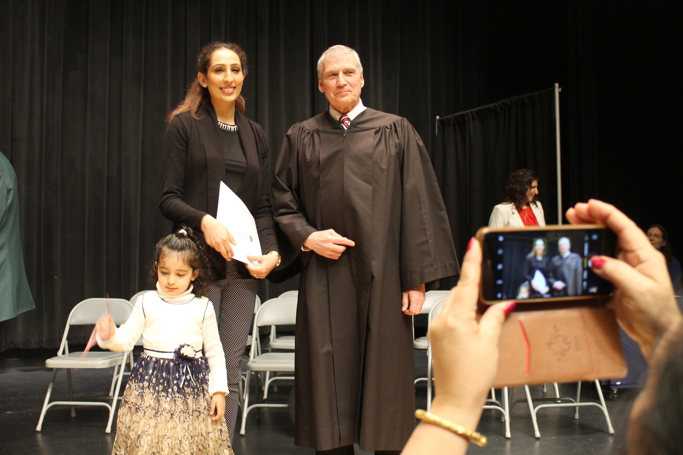 Federal judge welcomes 20 new citizens at Plattsburgh