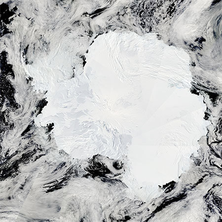 "Antarctica as seen by the Earth Observatory mission. Photo: <a href=""http://eoimages.gsfc.nasa.gov/images/imagerecords/36000/36839/Antarctica_AMO_2009027_lrg.jpg"">NASA</a>"