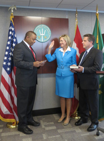 Transportation Sec. Anthony Foxx swears in U.S. Seaway Administrator Betty Sutton Tuesday. Photo: St. Lawrence Seaway Development Corporation