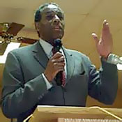 Carl McCall in Massena during his 2002 run for governor.