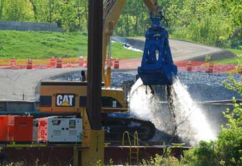 The first day of dredging to remove PCB-laden sediments from the upper Hudson River in 2009. Photo: David Chanatry.