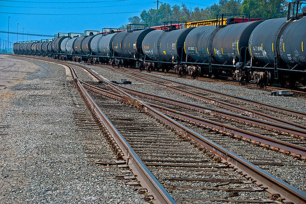 A train of oil tankers. Photo: Russ Allison Loar, Creative Commons, some rights reserved