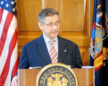 "NY Assembly Speaker Sheldon Silver. Photo: <a href=""http://en.wikipedia.org/wiki/File:SpeakerSilver.jpg"">NYer42</a>, released to public domain"