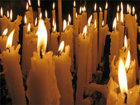 "Votive candles.Photo: <a href=""http://www.flickr.com/people/paullew/"">Fr. Lawrence Lew, O.P.</a>, CC <a href=""http://creativecommons.org/licenses/by-nc/2.0/deed.en"">some rights reserved</a>"